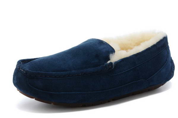 UGG beanie shoes 5575 navy